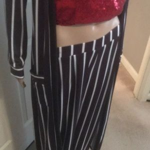 Pants - NWOT 2 pc pants set black & white S/M